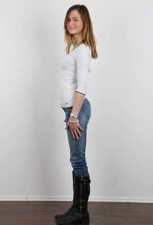 Frauen In Jeans Bilder